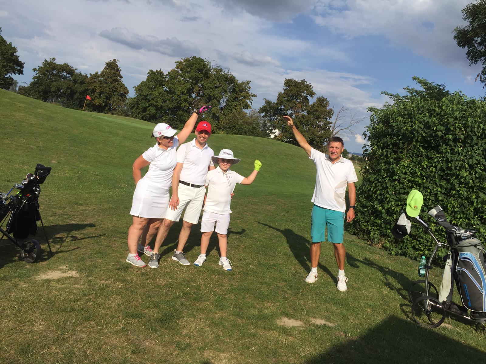 27_Golfturnier_Soroptimist_Golf_en_blanc