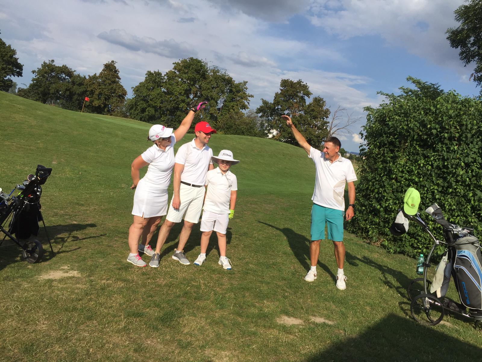 28_Golfturnier_Soroptimist_Golf_en_blanc