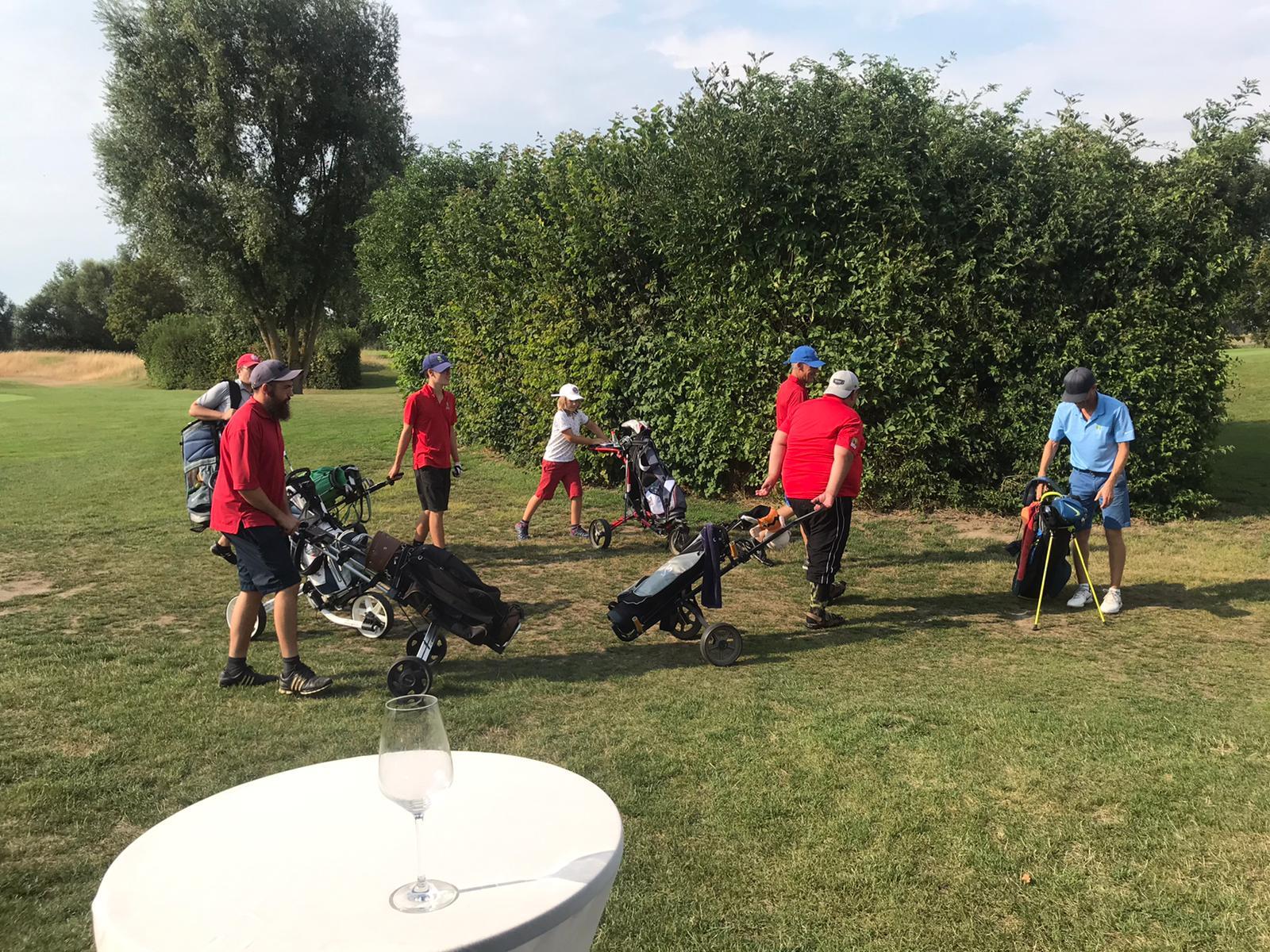 40_Golfturnier_Soroptimist_Golf_en_blanc