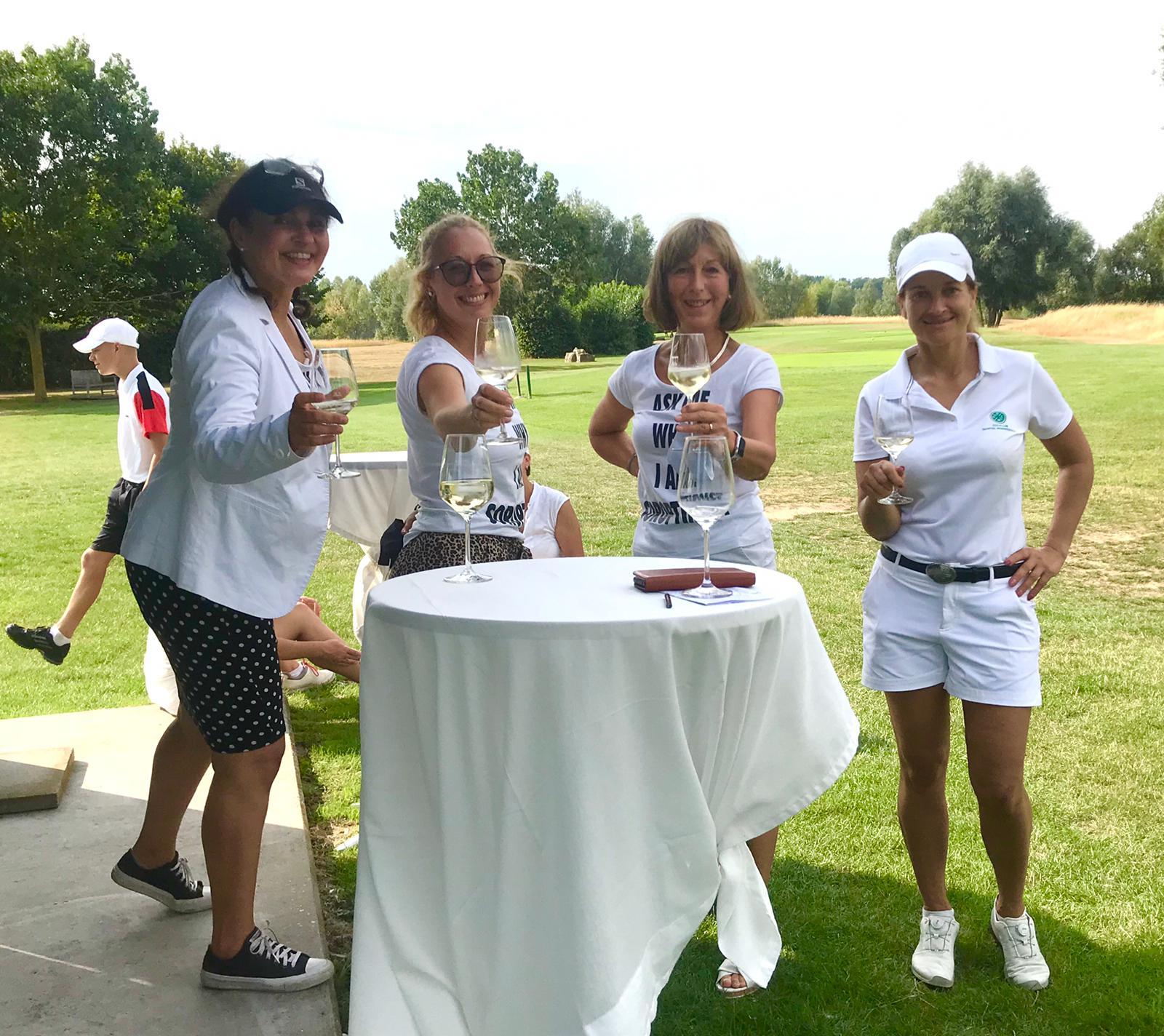 44_Golfturnier_Soroptimist_Golf_en_blanc